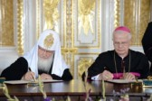 Russian Orthodox, Polish Catholic Leader Sign Appeal for Reconciliation