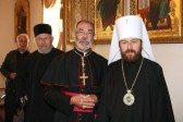 DECR Chairman Receives a Pilgrims Group from the Church of England