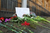 Moscow presents flowers to support Boston victims