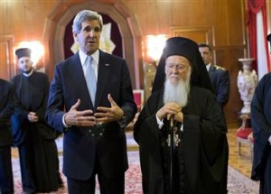 US Secretary of State John Kerry (L) meets with Fener Greek Patriarch Bartholomew in Istanbul. Reuters photo