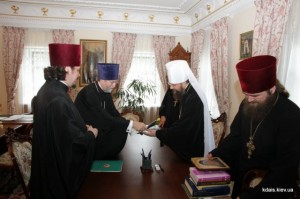 Signing of the Agreement between the Kyiv Theological Academy and St. Vladimir's Seminary.
