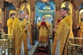 Metropolitan Tikhon presides at Liturgy at St. Catherine Representation Church in Moscow
