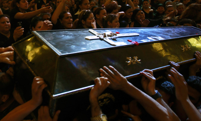 Egyptian Coptic Christians mourn during a mass funeral in 2011. (REUTERS/Amr Abdallah Dalsh)