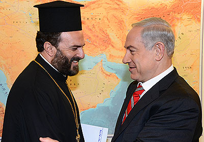 Father Gabriel Nadaf, a Greek Orthodox priest from Nazareth and spiritual leader of a forum for the enlistment of Christian youth in the IDF, meeting Prime Minister Benjamin Netanyahu. Photo: Prime Minister's Office of Communication