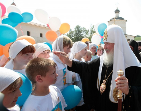 Patriarchal visit to the Tver Diocese. Visit to the Center for the Spiritual Growth of Children and Youth in Staritsa.