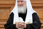 On Lady Day Patriarch Kirill of Moscow and All Russia releases white pigeons into the sky