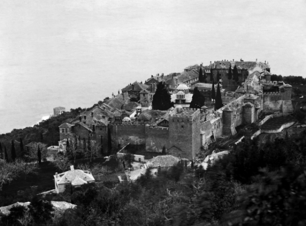Photo: http://athosweblog.com/, the oldest monastery on Mount Athos: Megisti Lavra. Photo late 19th century.