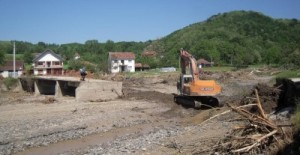 SER_2014_floods_GLEDICKA-RIVER_bridge_002-websize-300x155