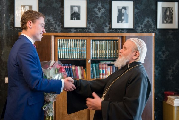 Estonia's Prime Minister Taavi Roivas congratulates Metropolitan Cornelius of Tallinn and All Estonia on his 90th birthday