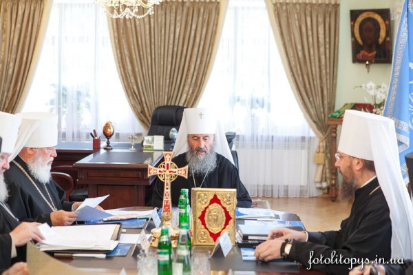 Ukrainian Orthodox Church asks Poroshenko to stop war in southeastern Ukraine