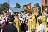Hundreds of children kneel down to pray for peace in Ukraine in Yaroslavl monastery
