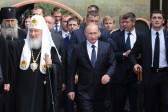 Putin hopes Orthodox Church will make its contribution to establish peace in Middle East