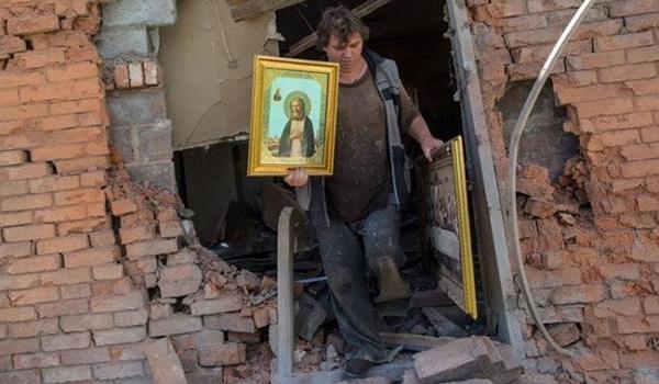 Ukrainian Troops Bomb Church near Luhansk