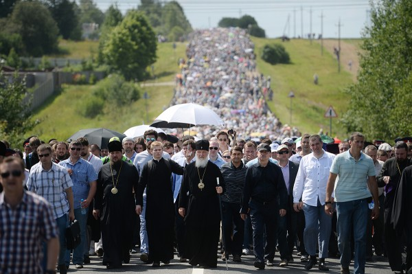Patriarch Kirill Led a Procession from Khotkovo to Sergiev Posad