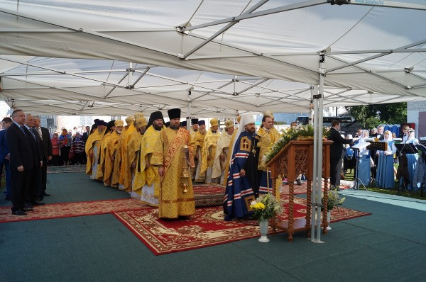 """Metropolita Hilarion takes part in the opening of """"Slavonic Unity-2014"""" International Festival"""
