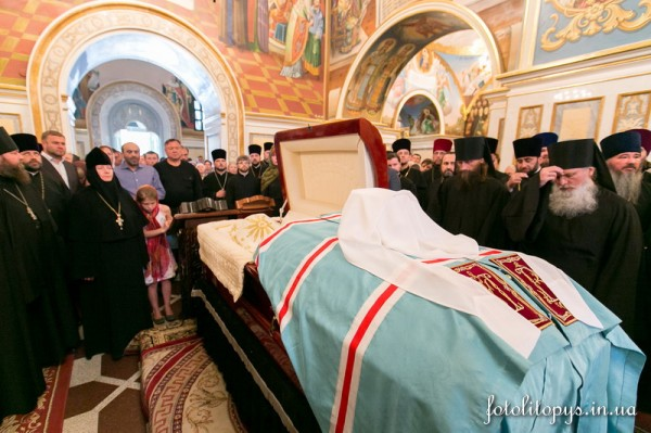 Kiev Pays Its Last Respects to Metropolitan Vladimir (+photographs)