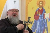 Sounds of explosions accompany church consecration in Donbass