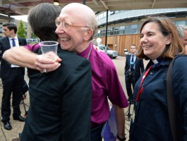 Church of England backs women bishops…