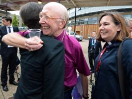 Church of England backs women bishops…