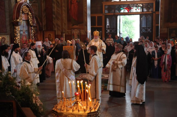 Metropolitan Hilarion of Eastern America and New York Officiates at Divine Liturgy at St Tikhon of Zadonsk Monastery