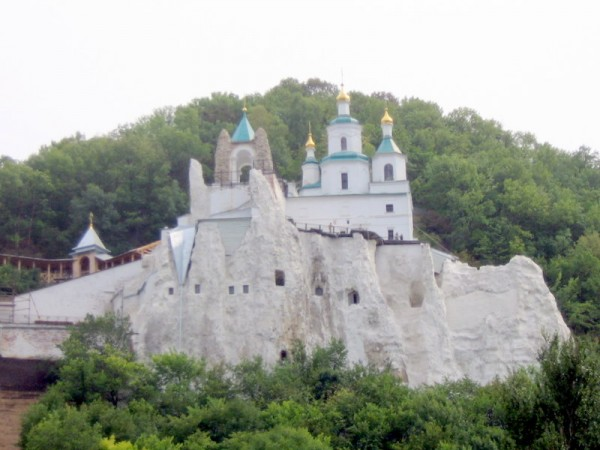 More Than 300 Refugee Children Now Reside in the Sviatohirsk Lavra