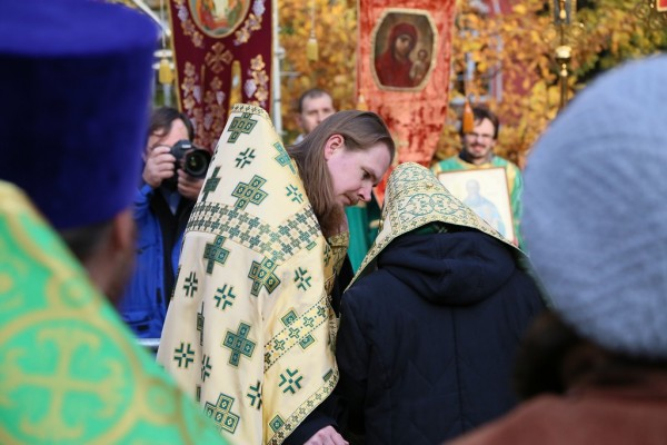 Visit to a Saint: How the Faithful Celebrated an Anniversary of St. Sergius' birth (Photo-report)