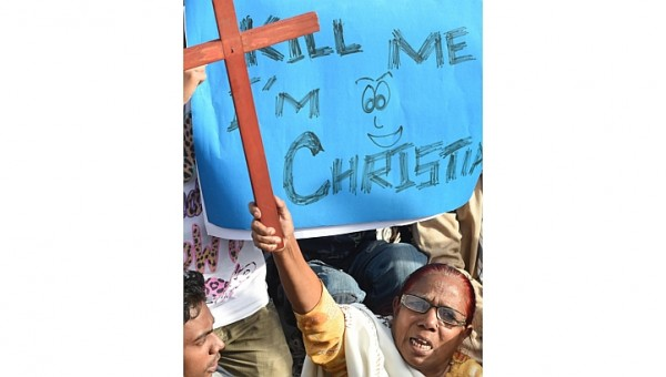 Pakistani court remands four suspects in horrific lynching of Christian couple
