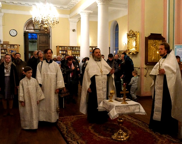Memorial Service Takes Place at the Vladimirskaya Cathedral in St. Petersburg on Dostoevsky's birthday