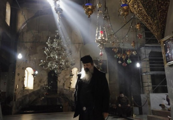 Greek Orthodox Church bans religious rites for those who choose cremation