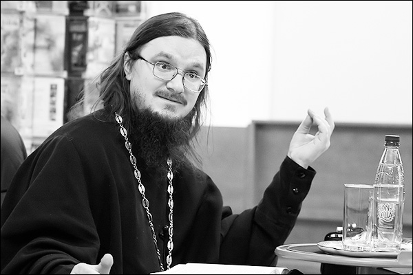 Charitable Concert in Memory of Priest Daniel Sysoev Takes Place in St. Petersburg