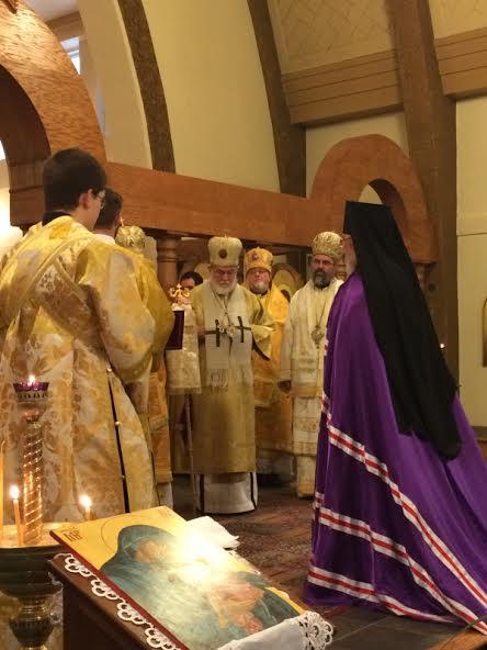 2014-1201-bpirenee-enthronement3