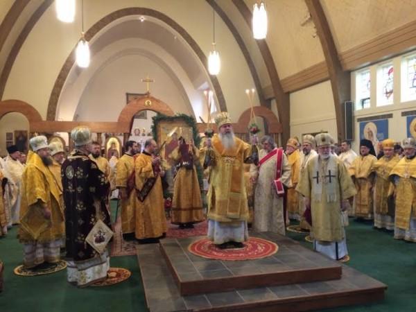 2014-1201-bpirenee-enthronement5