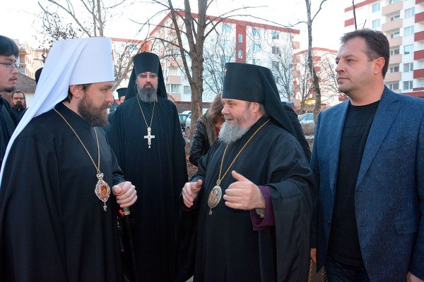 Metropolitan Hilarion presents bells to Bulgarian Church's Diocese of Veliko Tarnovo on behalf o His Holiness Patriarch Kirill