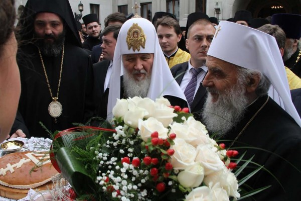 His Holiness Patriarch Kirill greets Patriarch Irinej with the fifth anniversary of his ascension to the patriarchal throne