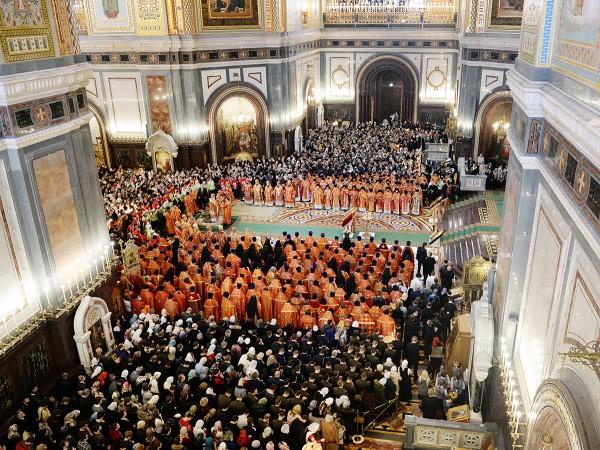 On St Tatiana's Day, Patriarch Kirill celebrates Divine Liturgy at the Church of Christ the Savior