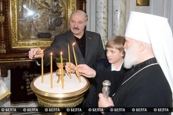 Lukashenko visits Holy Spirit Cathedral in Minsk