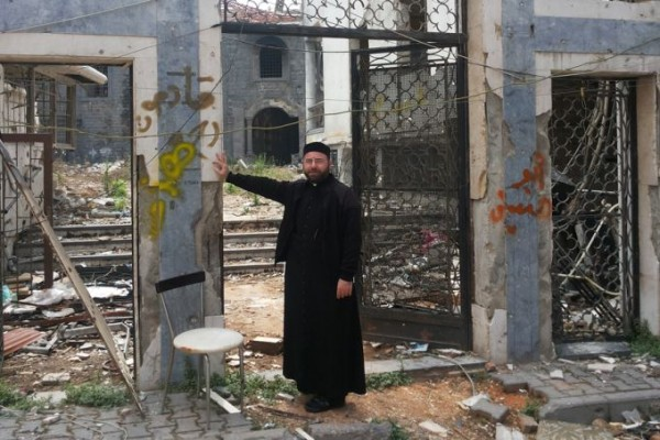 Christians returning to Homs, Syria, even though Islamic State looms