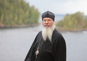 Valaam abbot gives up Internet, suggests…