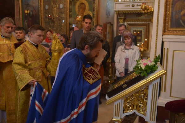 On Ss Peter And Paul Day, Metropolitan Hilarion celebrates Divine Liturgy at Moscow representation of the Church of Serbia