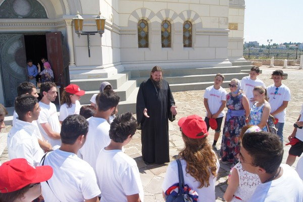 Orphans from Syria visit Cathedral of St Vladimir in Chersonese