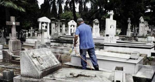 Istanbul's Greek Community Wishes to Remove Patriarchs' Graves from Orthodox Cemetery