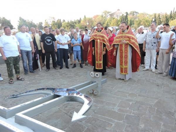 Cross set up at the bottom of the Black Sea in Sevastopol