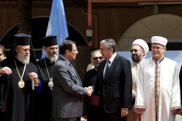 Cyprus' Christian, Muslim leaders offer peace talks support