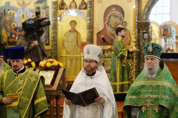 Patriarch Kirill celebrates Liturgy at Shamordino Hermitage of Our Lady Of Kazan and leads consecration of Archimandrite Tikhon (Shevkunov) as Bishop of Yegoryevsk