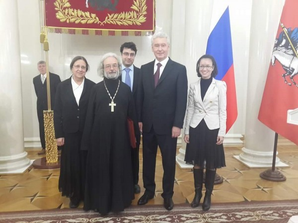 "The Family of Archpriest Alexander Ilyashenko Awarded the Order of ""Parents' Glory"""