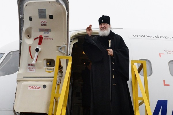 Windshield of Patriarch Kirill's aircraft broke to pieces during his flight to Antarctica