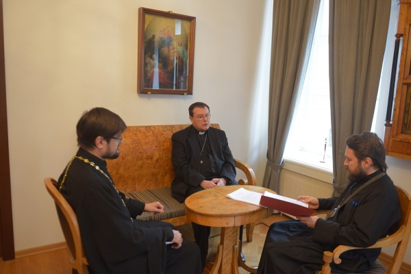 Metropolitan Hilarion meets with the Head of the Catholic Archdiocese in Moscow