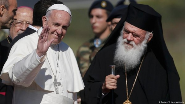 Pope Francis and Orthodox leaders visit migrants on Lesbos