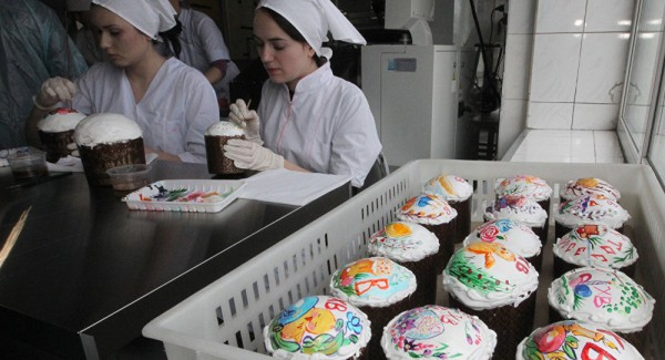 Putin's Chef Shares Recipe of Traditional Kremlin Easter Cake