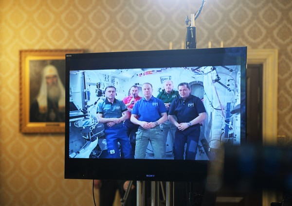 Patriarch Kirill congratulates cosmonauts of the International Space Station on Easter